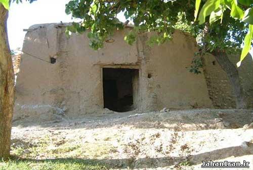 آسیاب ابی سیس (سفره خانه ی سنتی آسیاب آبی)