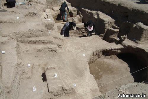 تپه باستانی دوزده باغیر