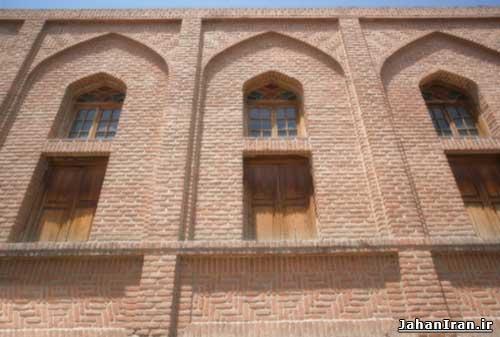 مسجد میدان بناب