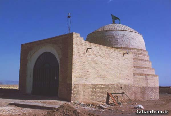 مقبره پیراویس (پیر بر حق) مهاباد